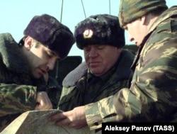 Бислан Гантамиров и генерал-полковник Виктор Казанцев (слева направо)