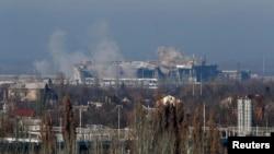 Вид на аеропорт з Донецька, осінь 2014 року