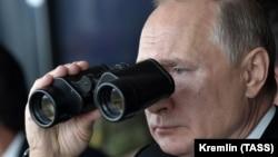 Володимир Путін закликав інші країни підтримати російську ініціативу про мораторій на розміщення ракет