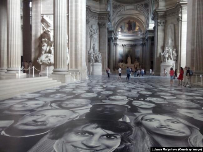 Коллаж JR в Пантеоне, Париж, лето 2014