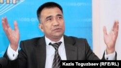 «Желтоқсан» республикалық-халықтық патриоттар қозғалысының жетекшісі Нұрлыбек Қуанбаев, Алматы, 8 желтоқсан, 2010 жыл.