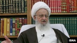 Grand Ayatollah Nasser Makarem Shirazi, appealed on November 23 for consensus among Islam's two main branches -- urging all Muslim clerics to work together to discredit groups espousing extremism.