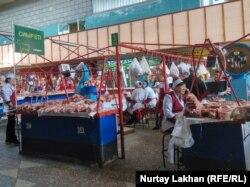 Алматыдағы орталық ет базары.