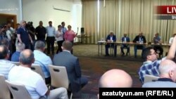 Armenia - Prime Minister Nikol Pashinian holds a meeting on the Amulsar mining site in Jermuk, 6July, 2018