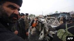 Pjesëtarët e policisë në vendin e një shpërthimi në Pakistan