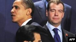 دیمیتری مدودیف، رئیس جمهوری روسیه (بالا، راست) باراک اوباما، رئیس جمهوری آمریکا (بالا، چپ) هو جینتائو، رئیس جمهوری خلق چین (پایین)