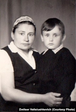 Зьміцер Вайцюшкевіч з маці