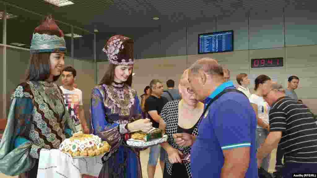 Казан вокзалында кунакларны каршылау