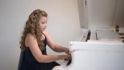 Пианистка и скрипачка. Музыкальная семья из Крыма   Доброе утро, Крым!