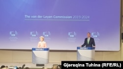 Ursula von der Leyen, predsednica Evropske komisije, na konferenciji za novinare u Briselu na kojoj predstavlja članove svog kabineta