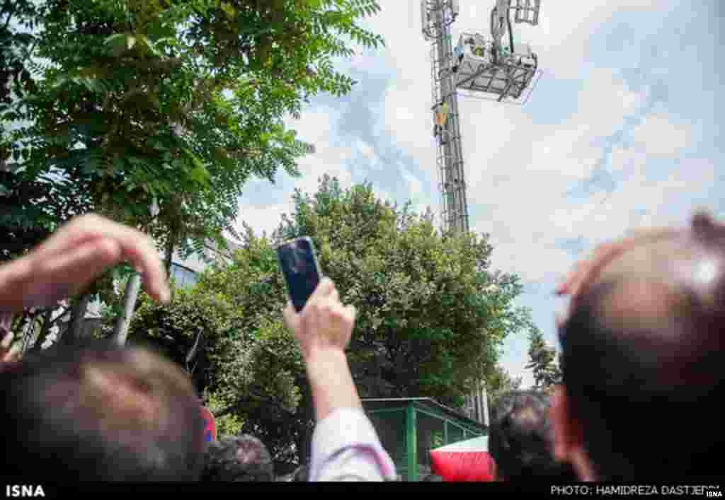 A number of Iranians have committed suicide this year in protest against social conditions in Iran, including a retired oil industry employee who set himself on fire outside the Oil Ministry over the poor living conditions endured by pensioners.