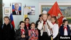 Орусиядагы мектеп окуучулары. Ставрополь, 19-май, 2017-жыл.
