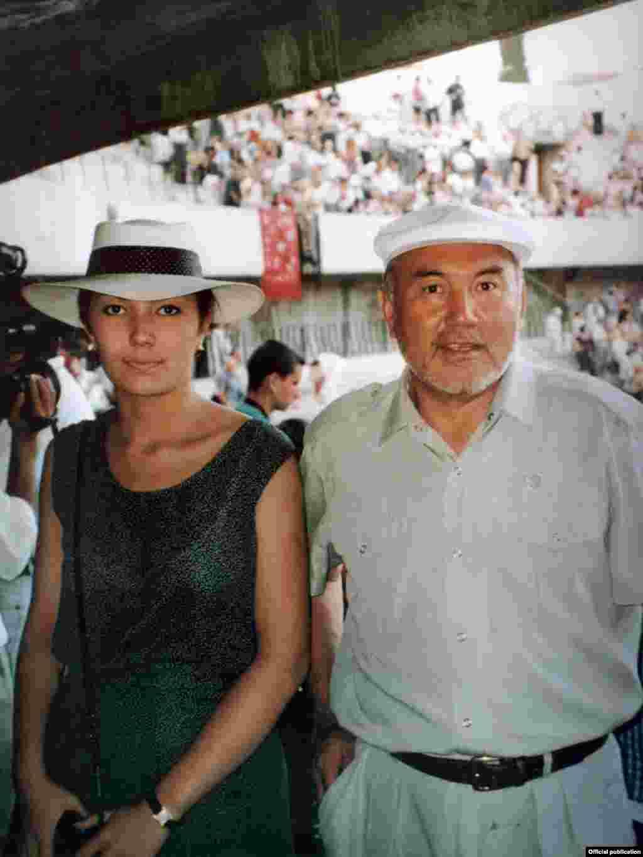 Нұрсұлтан Назарбаев қызы Әлиямен бірге демалыста.