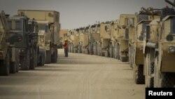 Конвојот американски возила во Кувајт.