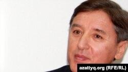 Сопредседатель Общенациональной социал-демократической партии Болат Абилов. Алматы, 9 января 2012 года.