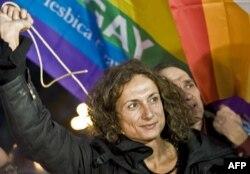 Некоторые итальянцы выступают за изменение позиции католической церкви к гомосексуальным союзам