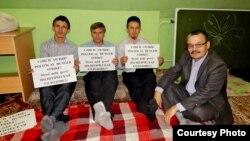 Карл Маркс урамындагы бинаны саклап калу өчен татар активистлары ачлык уздырган иде