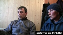 Житель Раздана Шаген Айрапетян и его мать Вергине Айрапетян