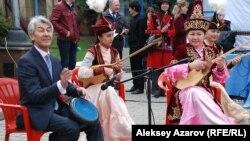 На фестивале «Праздник юрты». Алматы, 4 апреля 2015 года.
