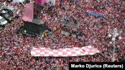 Na zagrebačkom Trgu bana Jelačića i u ulicama oko njega bilo je preko 300.000 ljudi