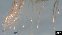 Українські військові літаки в зоні АТО, які використовують захисні світлові й теплові «пастки». Ілюстраційне фото