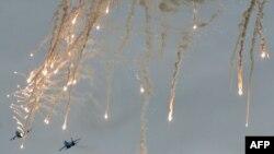 Українські військові літаки в зоні АТО, які використовують захисні світлові й теплові «пастки»