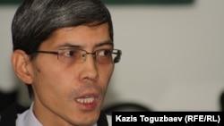 Саясаттанушы Замир Қаражанов. Алматы, 14 желтоқсан 2012 жыл.