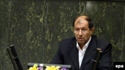مصطفی محمد نجار، وزیر کشور ایران، اعلام کرد که دولت از «کمیسیون ماده 10 احزاب» وابسته به وزارت کشور خواسته است تا «با کارشناسی دقیق و استفاده از نظرات و پیشنهادهای متخصصان» طرحی را برای «بازنگری و اصلاح قانون احزاب» تدوین و به مجلس ارائه کند.