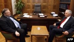 LIderi i PASOK-ut, Evangelos Venizelos, në takim me liderin e së Majtës Demokratike, Fotis Kouvelis