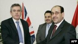 نخست وزيربريتانيا ، صبح روز سه شنبه بدون اعلام قبلی ، وارد بغداد شد و با نوری المالکی ديدار و گفت و گو کرد.