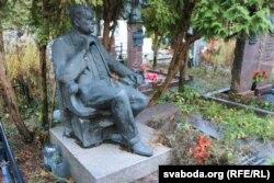 Магіла Андрэя Макаёнка на Ўсходніх могілках.