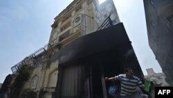 """مقر حركة """"الأخوان المسلمين"""" في القاهرة يتعرض للحرق والنهب"""