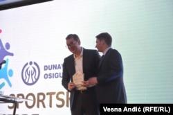Predsedniku Srbije uručeno specijalno priznanje Sportskih igara mladih za podršku i izuzetan doprinos razvoju igara