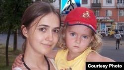 В обвинительном заключении сказано, что Антонина Мартынова решила убить свою дочь, потому что не хотела выглядеть плохой матерью в глазах знакомых