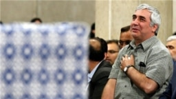 ابراهیم حاتمیکیا در یکی از دیدارها با رهبر جمهوری اسلامی