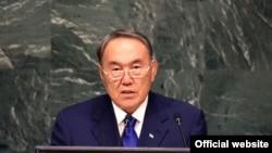 Қазақстан президенті Нұрсұлтан Назарбаев БҰҰ саммитінде сөйлеп тұр. Нью-Йорк, 28 қыркүйек 2015 жыл.