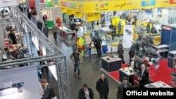 Выставка германских компаний, специализирующихся на машиностроении, в Лейпциге.