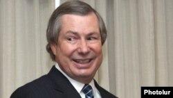 ATƏT-in Minsk qrupunun amerikalı həmsədri James Warlick