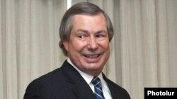 ATƏT-in Minsk Qrupunda amerikalı həmsədr James Warlick