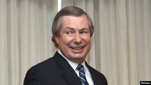 Armenia - The newly appointed U.S. co-chair of the OSCE Minsk Group, James Warlick, gives a press conference in Yerevan, 12Sep2013.