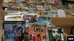 Ovo je slika piratskih kopija na carini u Hong Kongu. Srbija po procentu piratskih kopija konkuriše mnogim azijskim zemljama.