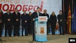Претседателот на ВМРО-ДПМНЕ, Никола Груевски на митинг во Ресен