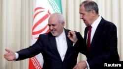 محمدجواد ظریف و سرگئی لاوروف، وزیران خارجه ایران و روسیه، پس از دیدار دوجانبه خود در نشست خبری مشترک شرکت کردند