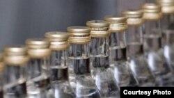 Люди, работавшие на ликеро-водочных заводах, оказались в «подвешенном состоянии».