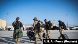 امریکا حاضردمه په افغانستان کې د ۱۲ زره او ۱۳ زره ترمنځ پوځیان لري.