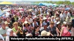 Під Бахчисараєм відзначають кримськотатарське свято родючості Хидирлез