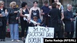 Akcija Žena u Crnom na Dan belih traka, Beograd, 31. maj 2012.