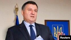 Министр внутренних дел Украины Арсен Аваков дает интервью агентству Reuters в Киеве