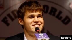 Чемпион мира по шахматам, норвежский гроссмейстер Магнус Карлсен.