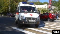 В результате взрыва в керченском колледже погибли люди